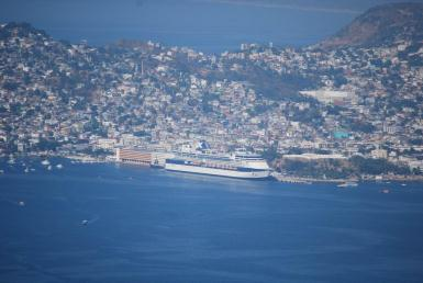 Constellation i Acapulco hamn